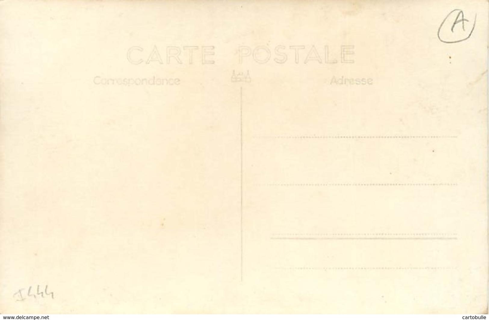 A - 16 - 2443 - CARTE PHOTO D'un CYCLISTE Non Localisée - VELO - CYCLISME - - Other Municipalities