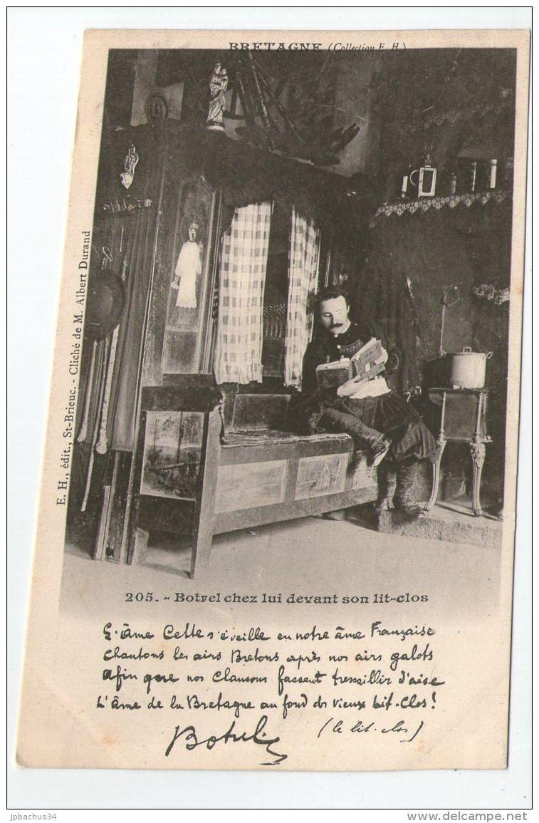 BOTREL CHEZ LUI DEVANT SON LIT CLOS - France