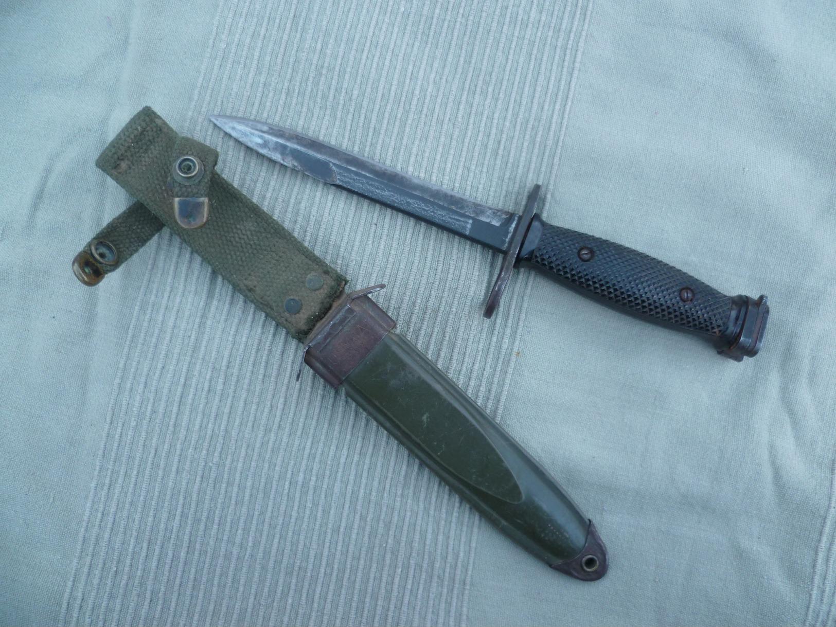 Baïonnette US M7 IMPERIAL Et Son Fourreau US M8-A1 PWH, Baïonnette Pour Fusil M 16, Guerre Du Vietnam. - Armes Blanches