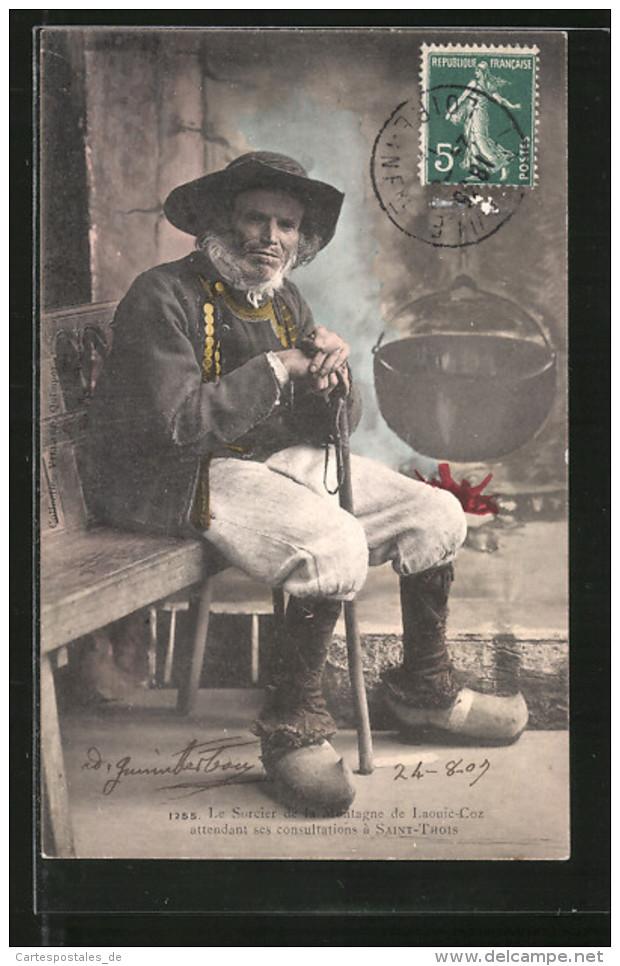 CPA Saint-Thois, Le Sorcier De La Montagne, Alter Bretone En Costume Typique - Ethniques & Cultures