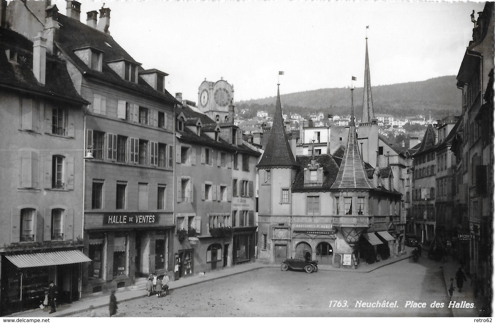 NEUCHÂTEL → Neuenburg, Place Des Halles Mit Oldtimer Fotokarte Ca.1930 - NE Neuenburg