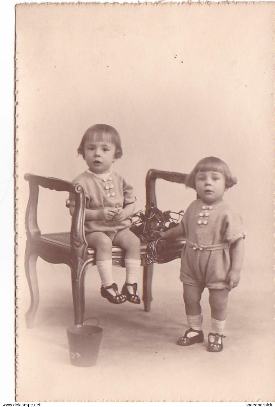 26001 Carte Photo Enfant Frere - Faux Jumeaux - Garcon Children- Belgique Vers 1920 -photographe  Timmermans Bruxelles- - Portraits