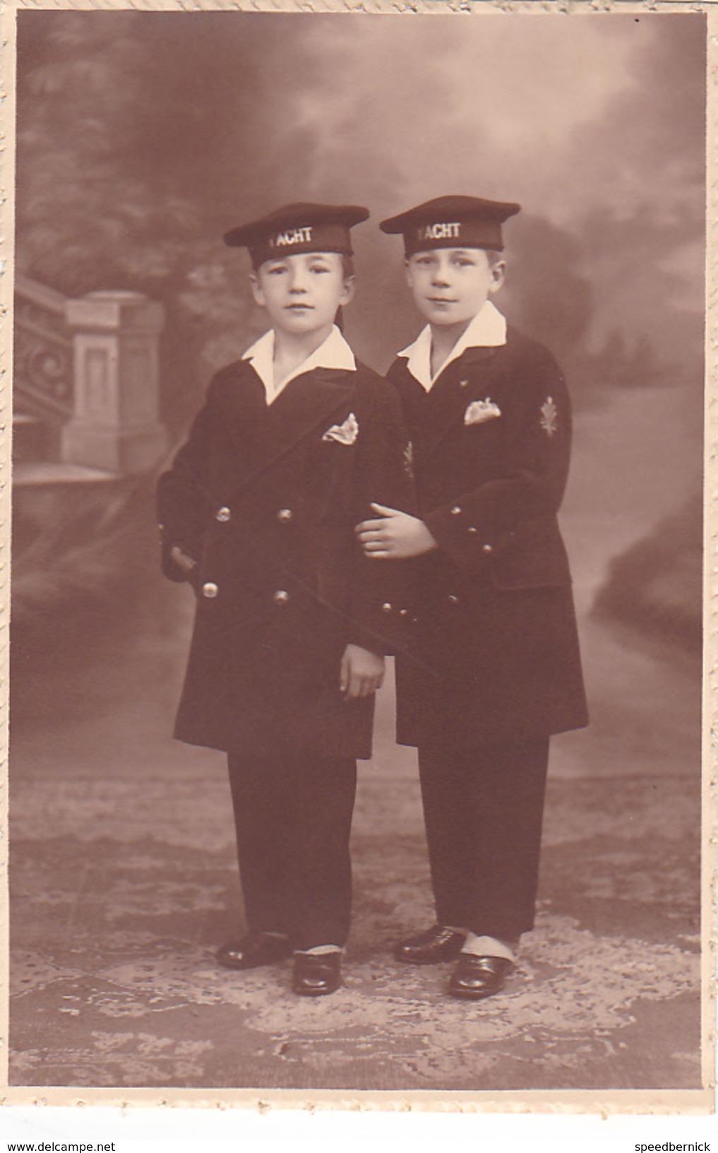 26003 Carte Photo Enfant Frere - Faux Jumeaux - Marin Children - Belgique Vers 1920 -photographe  Timmermans Bruxelles- - Portraits