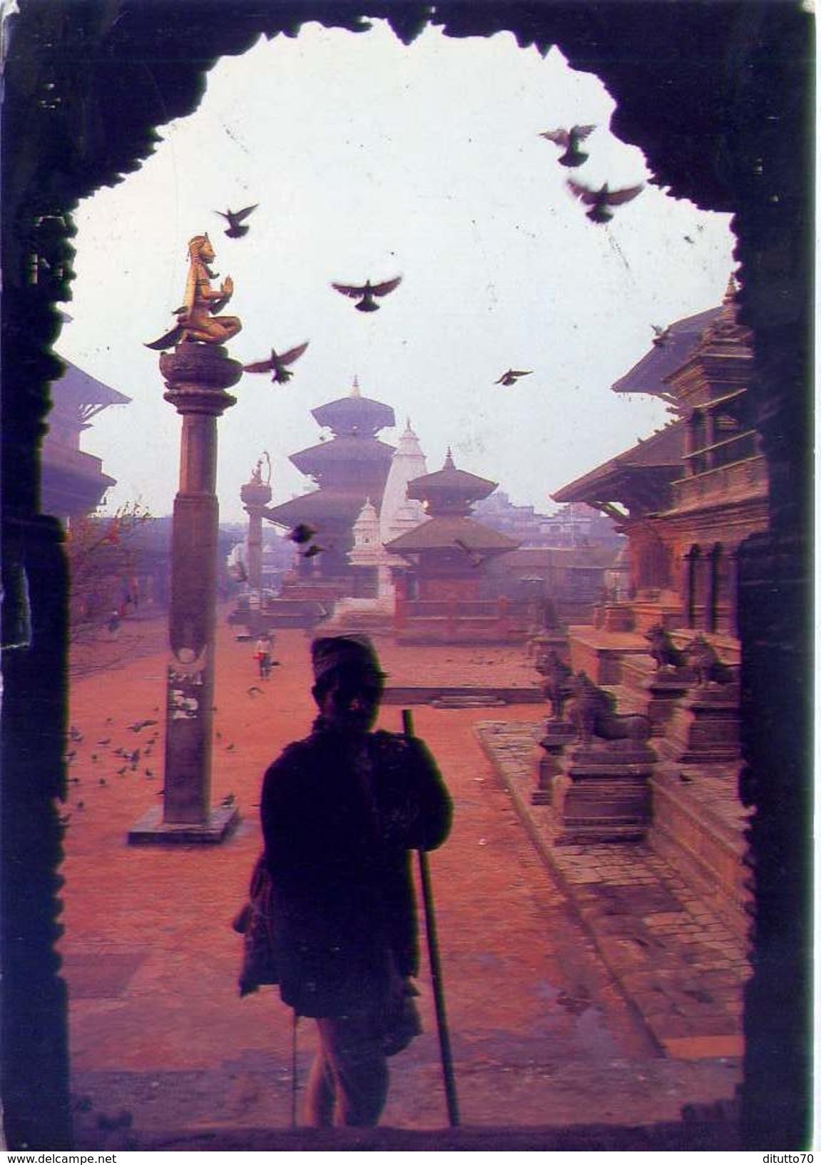 Nepal - The Durbar Square Of Patan - With Its Numerous Ancient - Formato Grande Viaggiata - E - Nepal