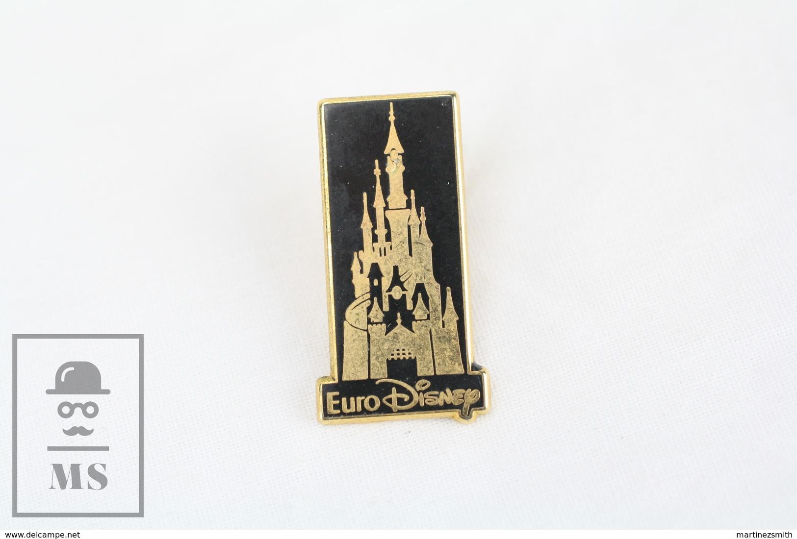 Walt Disney Euro Disney Gold & Black Colour Castle - Arthus Bertrand Paris  - Pin Badge - Disney
