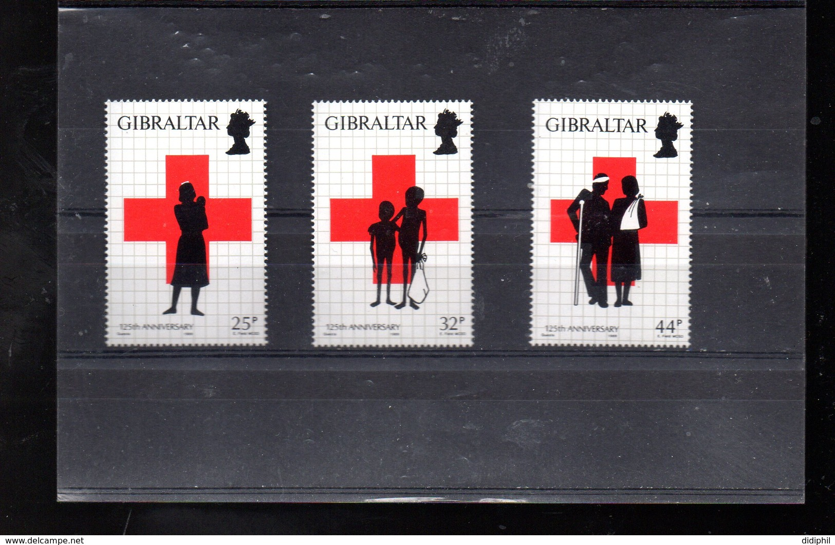 GIBRALTAR 578/580** SUR LES 125 ANS DE LA CROIX ROUGE - Gibraltar