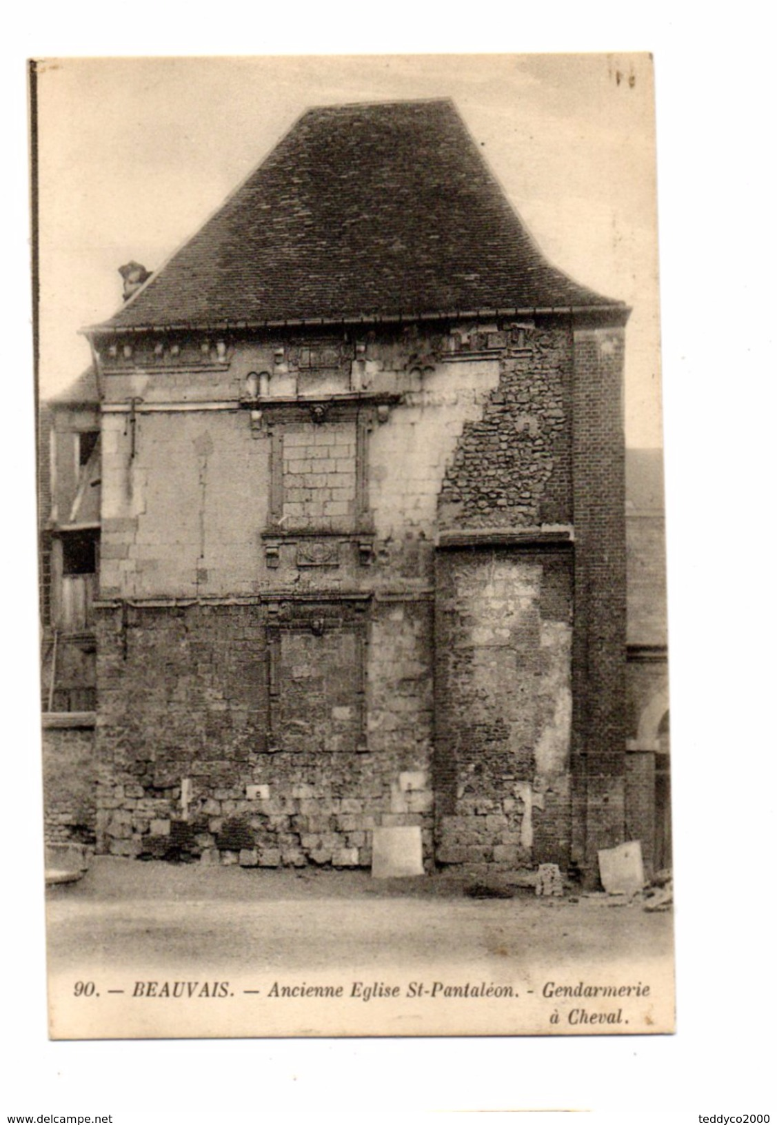 BEAUVAIS Ancienne Eglise St-Pantaléon. - Gendarmerie à Cheval - France