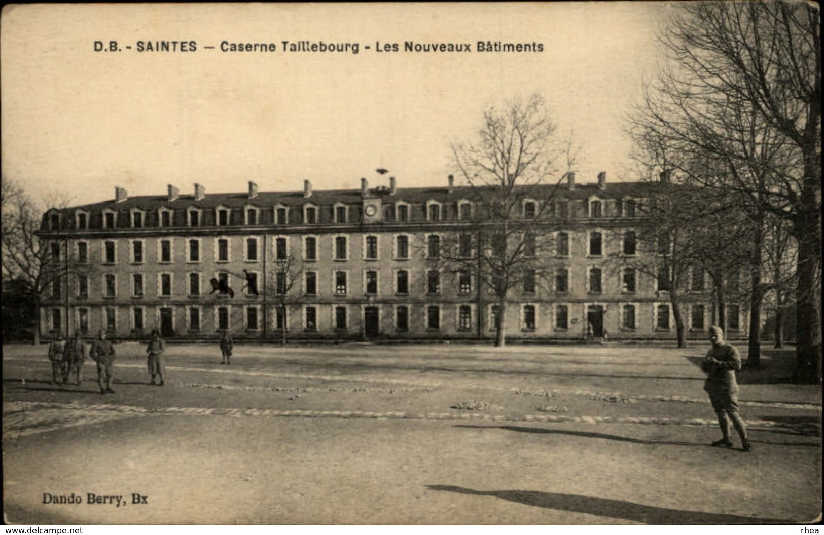 17 - SAINTES - Caserne - Saintes