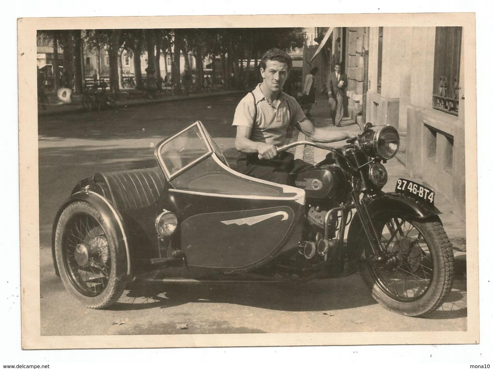 voitures de tourisme voiture car photo originale 1948 moto harley davidson bike with. Black Bedroom Furniture Sets. Home Design Ideas