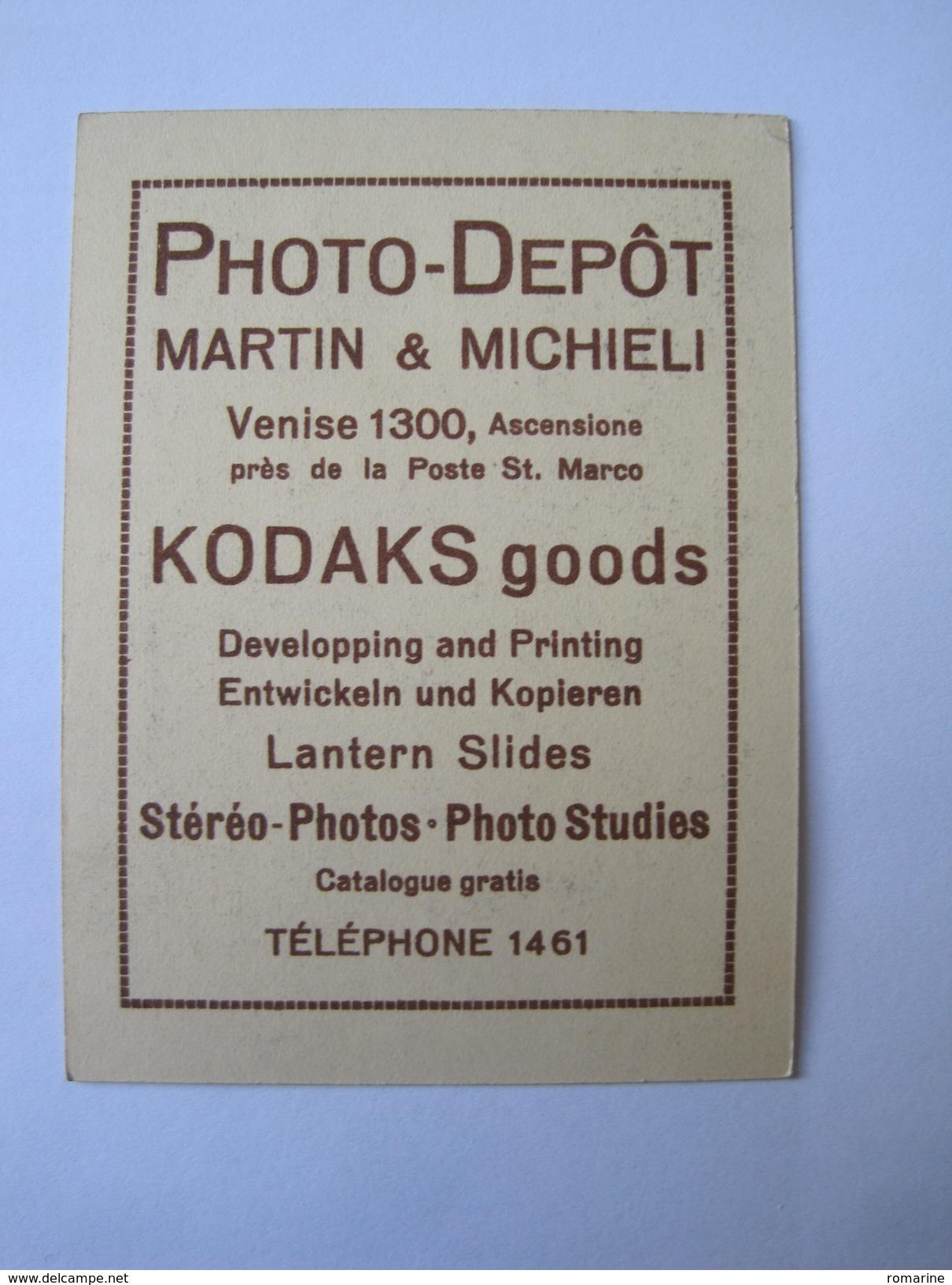 Photo Dépot Martin Et Michieli - Kodacs Goods - Reclame