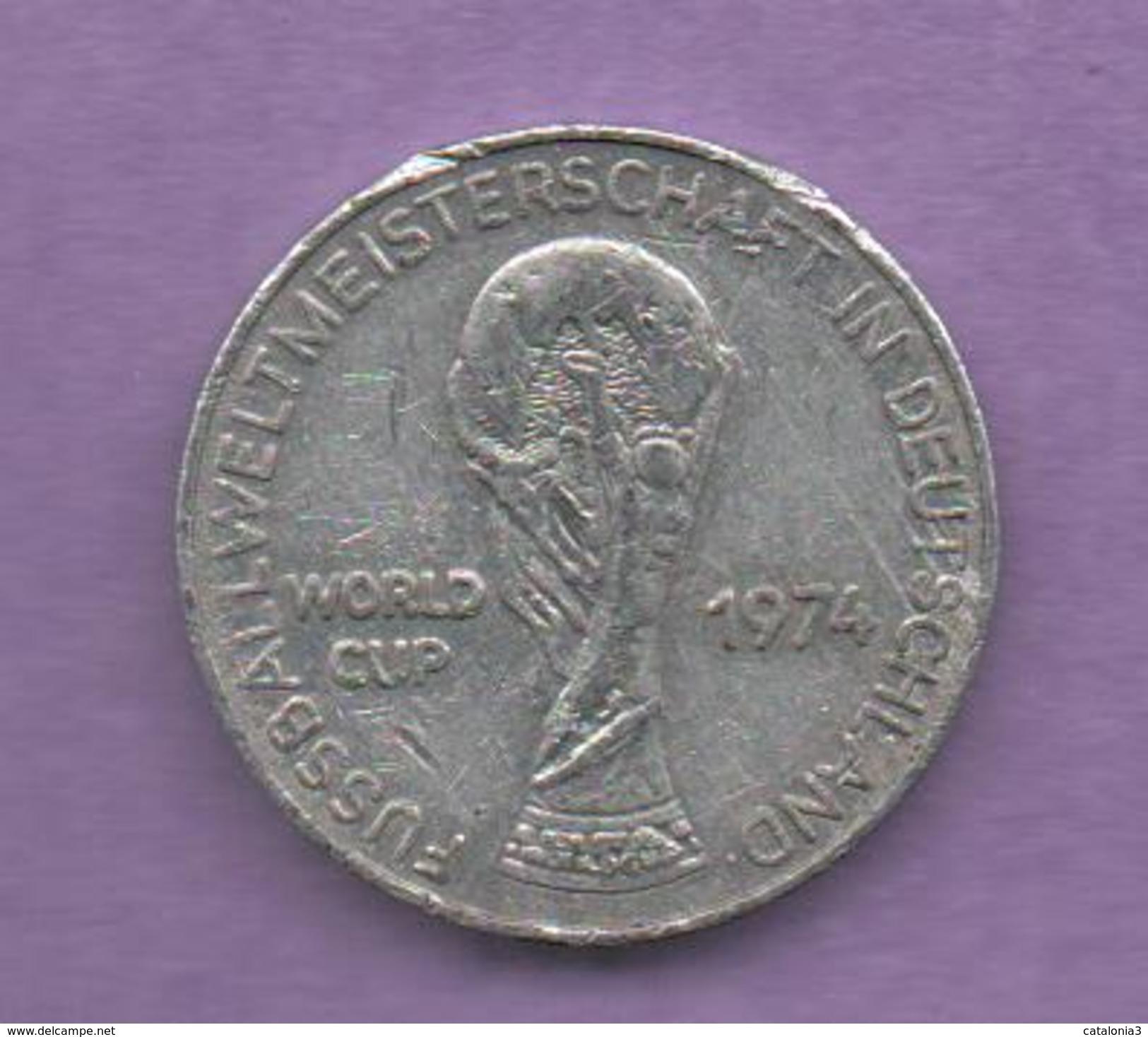 FICHAS - MEDALLAS // Token - Medal - FUSSBALL WELTMEISTERSCHAFT DEUTSCHLAND 1974 CHILE (1) - Allemagne