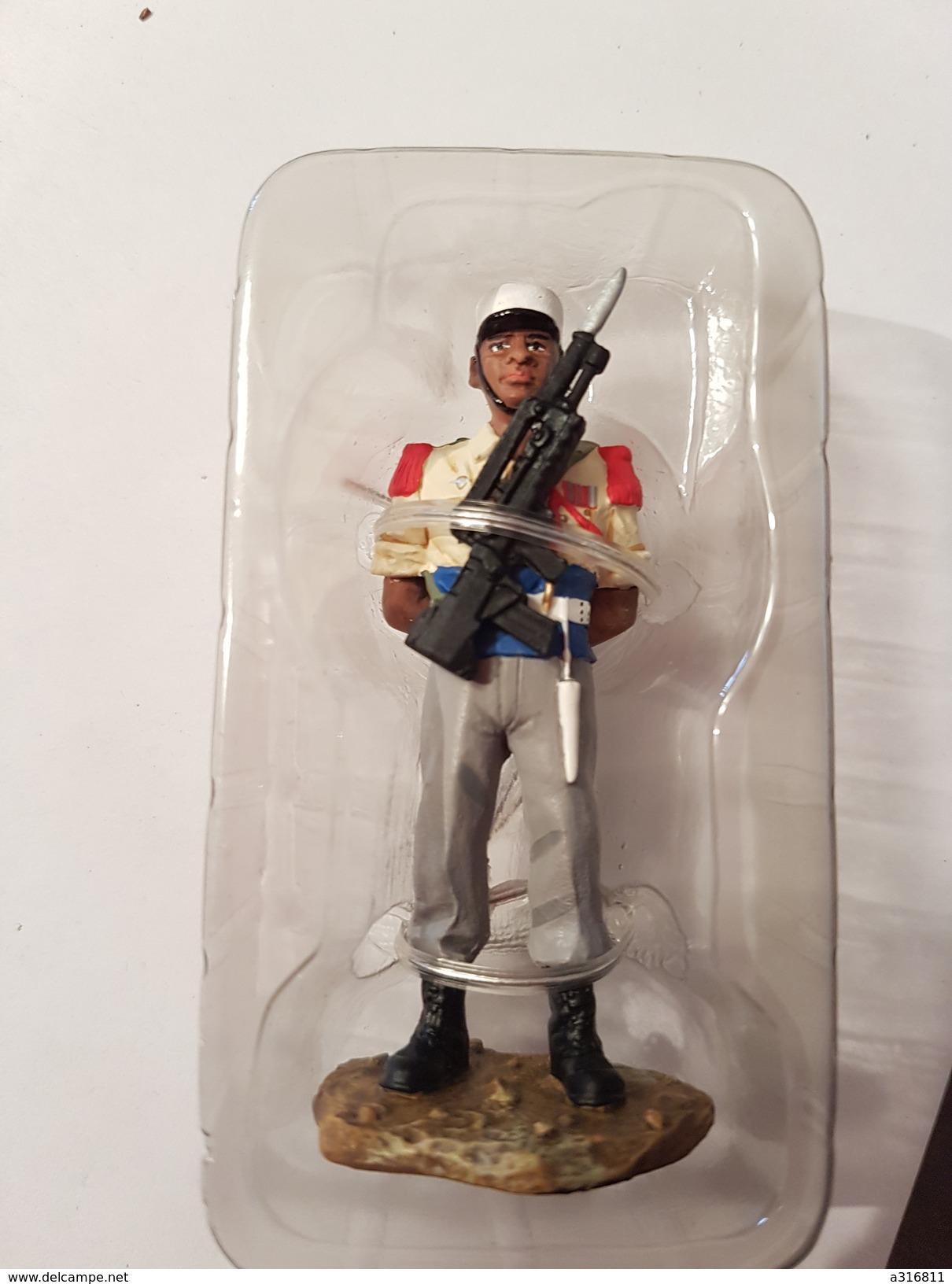 Figurine Delprado Plomb   Légionnaire Du 3°REI 2004 - Militaires