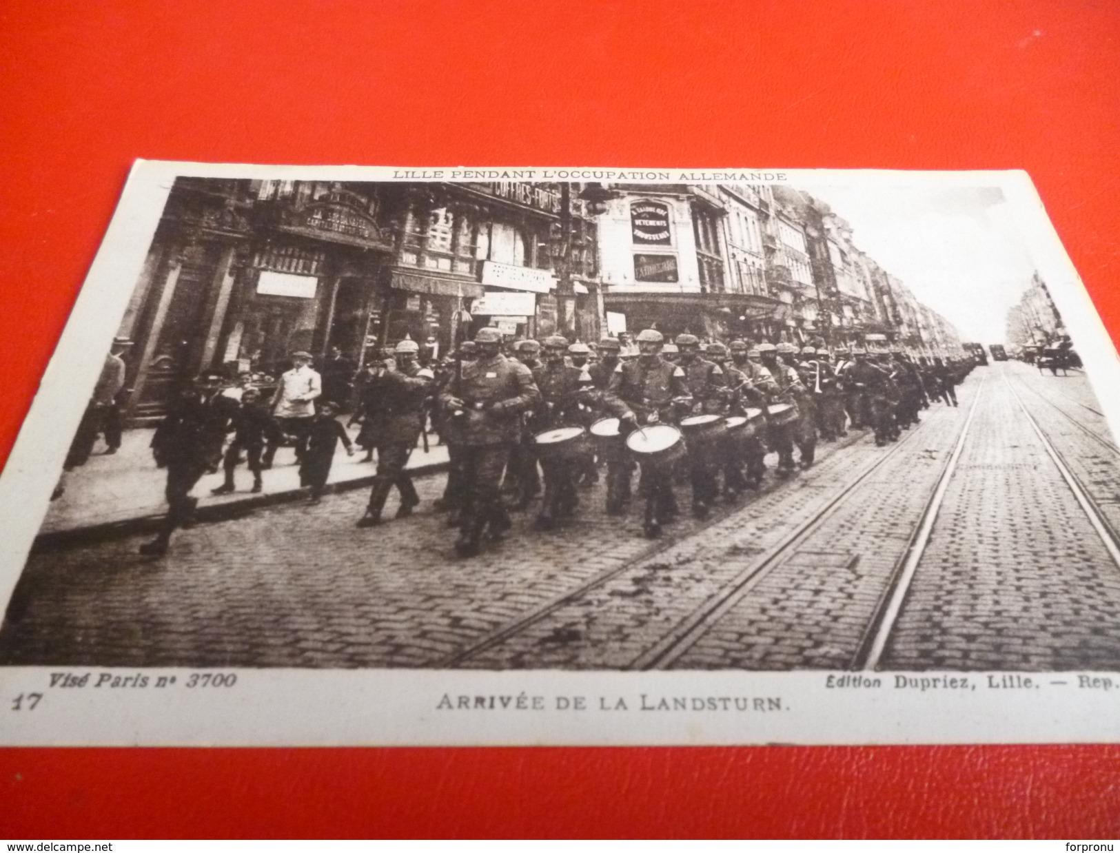 CARTE POSTALE  SOLDATS ALLEMANDS   ARRIVANT A LILLE (NORD)PENDANT L'OCCUPATION 14/18 - Documents