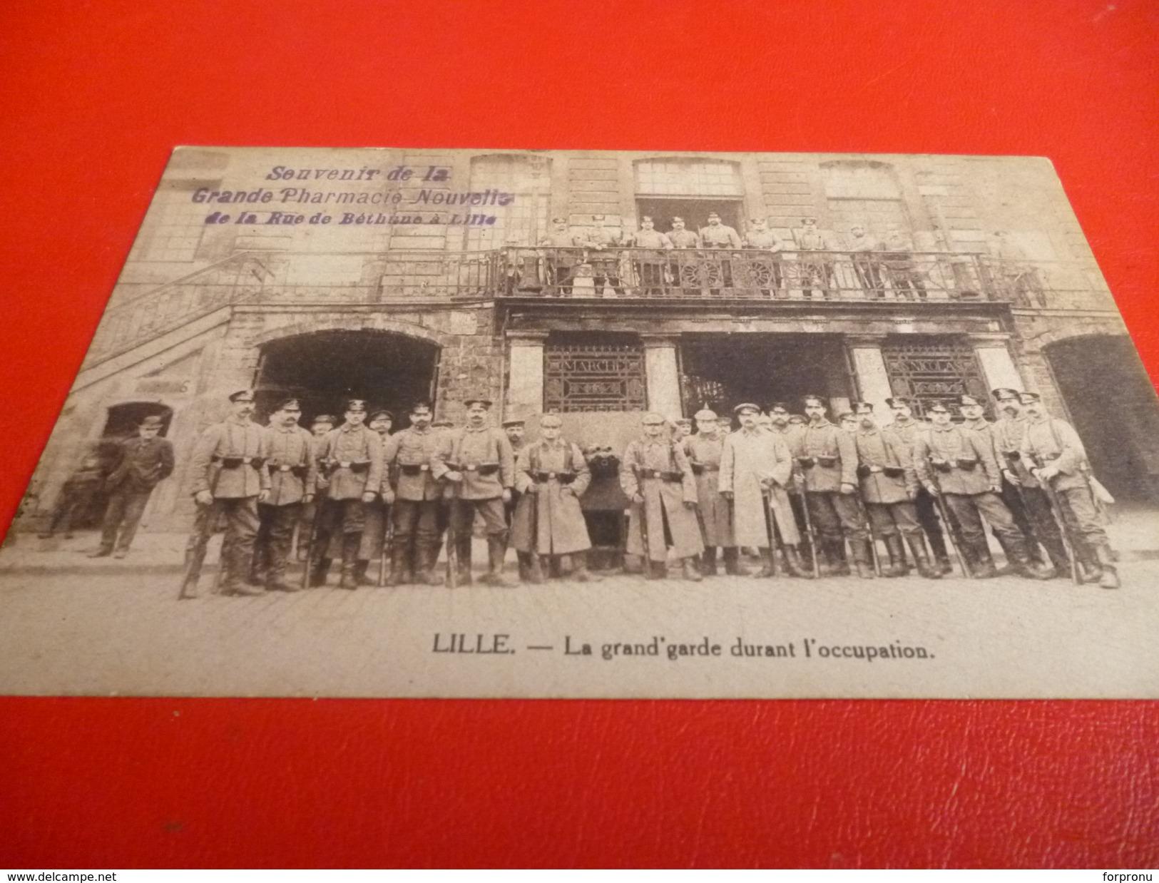 CARTE POSTALE  SOLDATS ALLEMANDS A LA GRAND PLACE A LILLE (NORD)PENDANT L'OCCUPATION 14/18 - Documents
