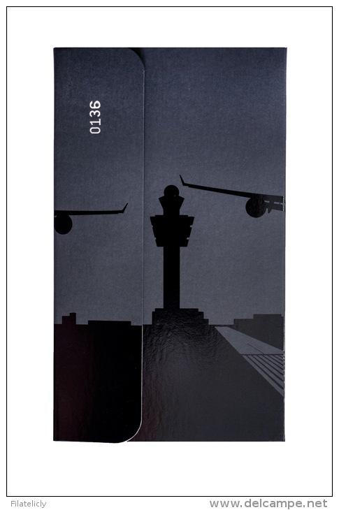 Pocket Stamp Album CITIES Amsterdam Airport – Limited Edition - Free Shipping In NL - Formato Piccolo, Sfondo Nero