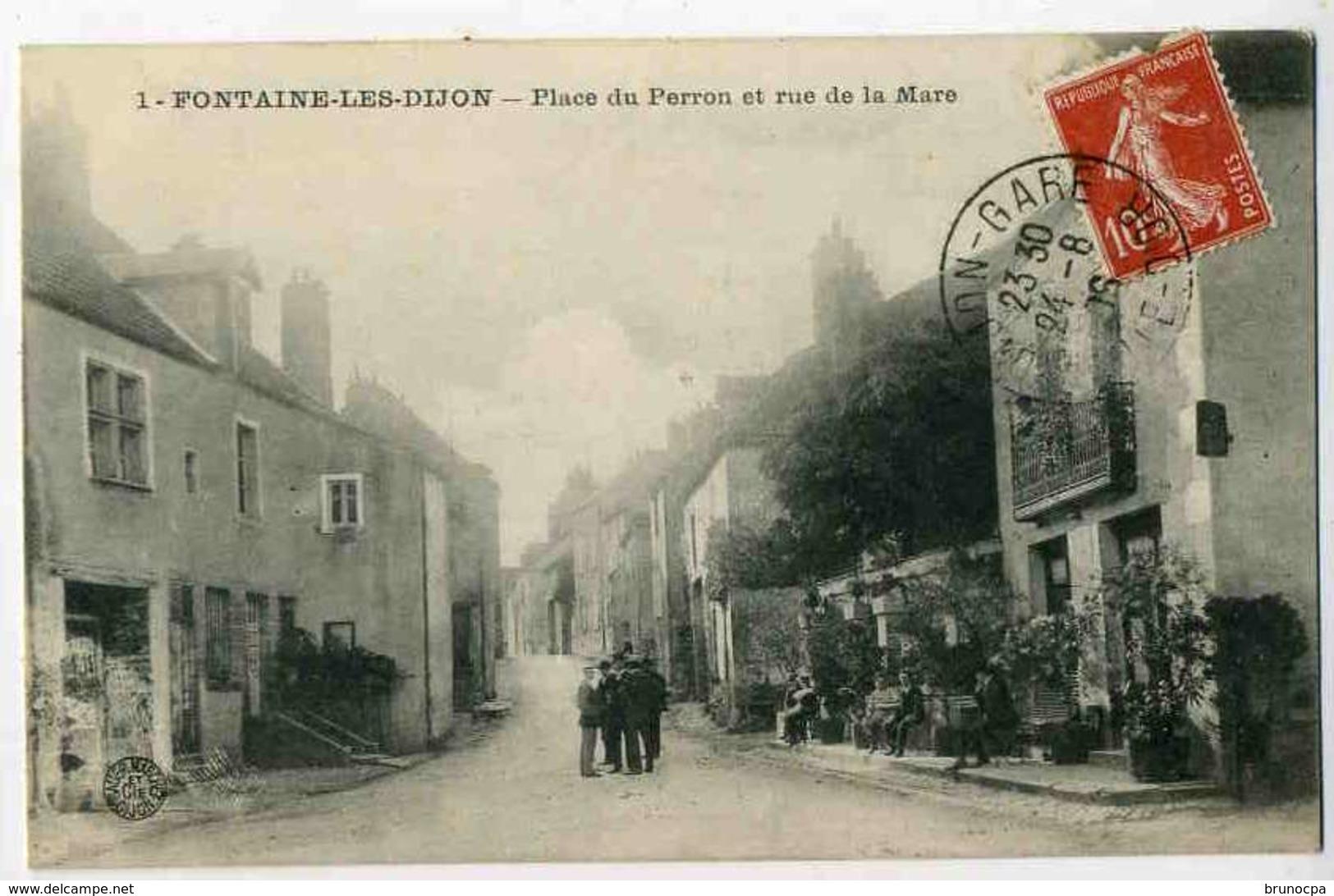 Fontaine Les Dijon Place Du PERRON Et Rue De La MARE, Animée - France