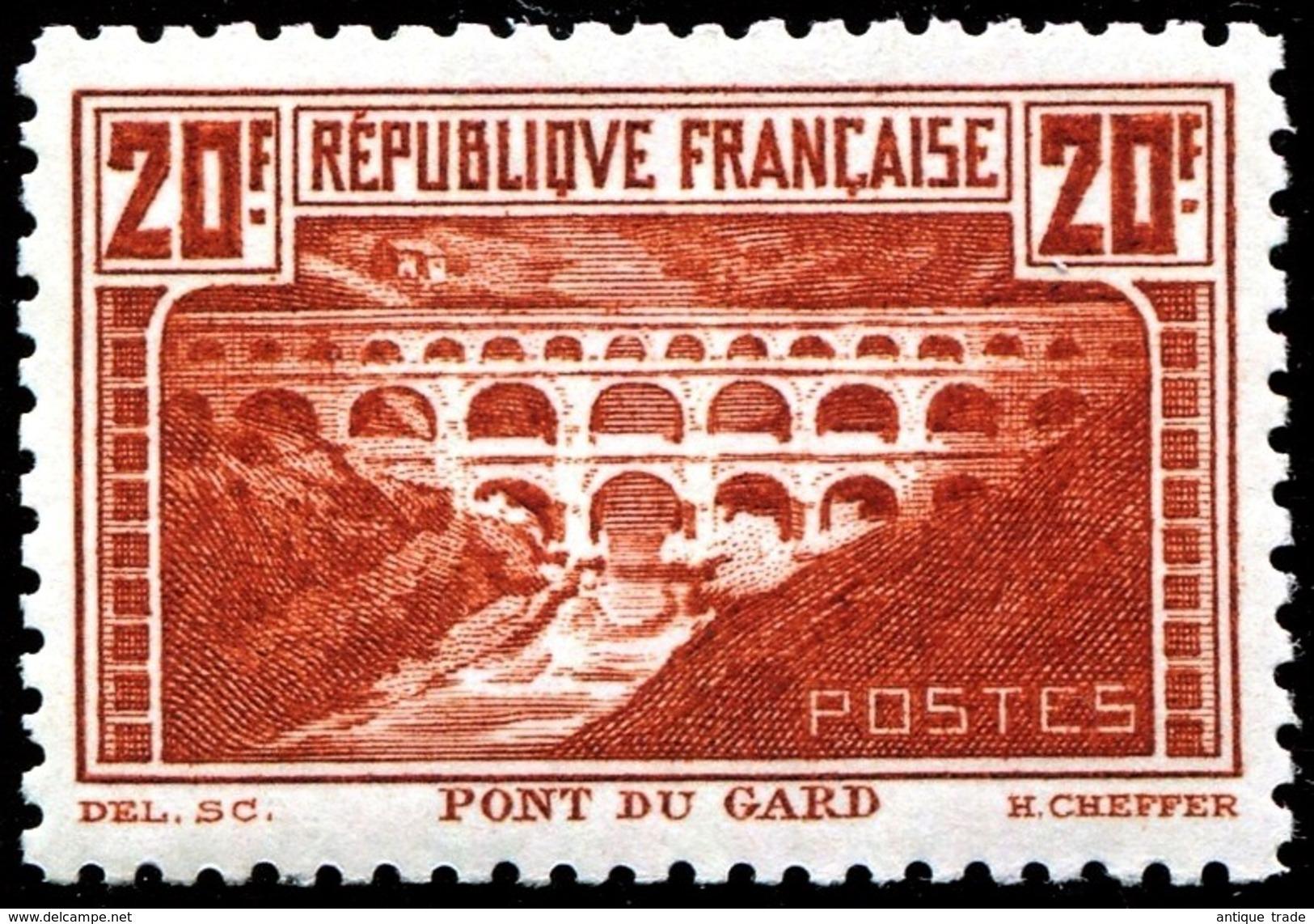 # FRANCE : Mi #242B Yv #262B (perf. 11) Pont Du Gard / Bridge (1930) MNH ** Neuf Well Centered / CV 2250.00 EUR - Ungebraucht