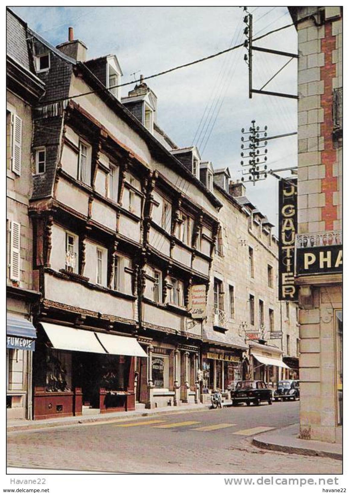 X1076 LANNION HOTEL DE GEOFFROY DE PONTBLANC VOITURE 2 SCANS - Lannion