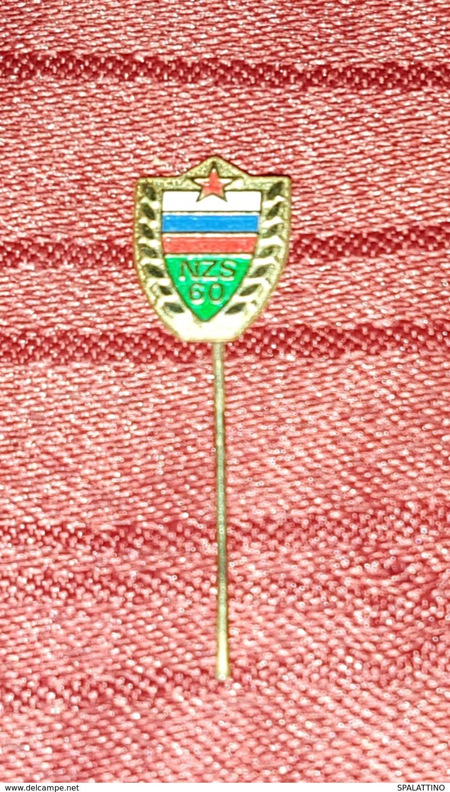 SLOVENIA FOOTBALL FEDERATION, ORIGINAL VINTAGE  PIN BADGE, SOCCER - Fussball