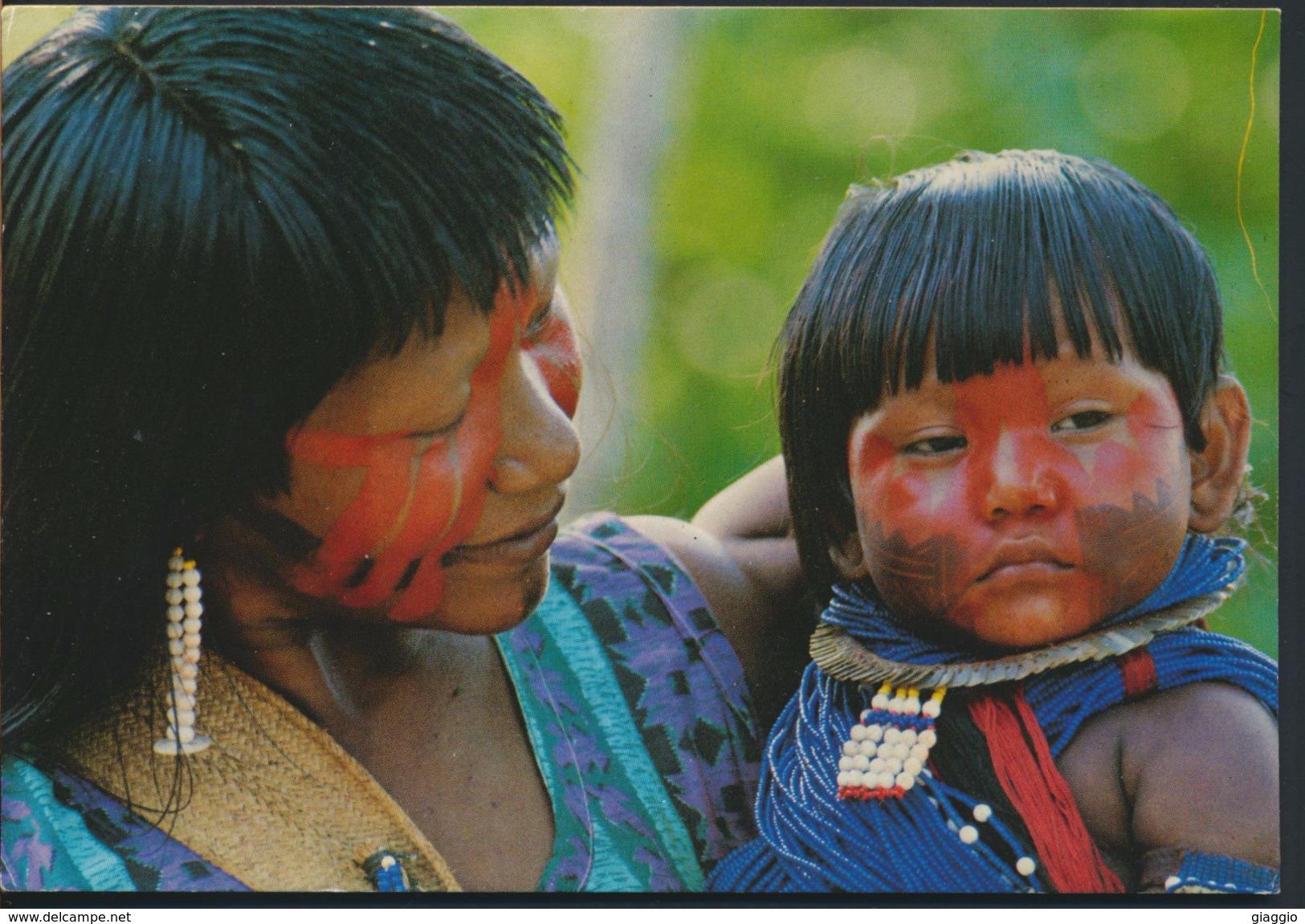 °°° 3590 - BRASIL - AMAZZONIA - BAMBINA IN BRACCIO ALLA MADRE °°° - Manaus