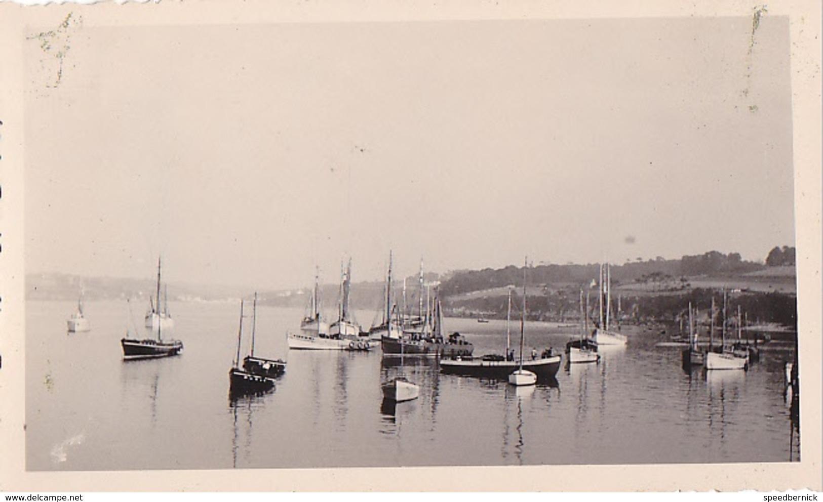 26191 Deux 2 Photo De 1935 Bretagne France - Douarnenez -bateau Voilier - Lieux