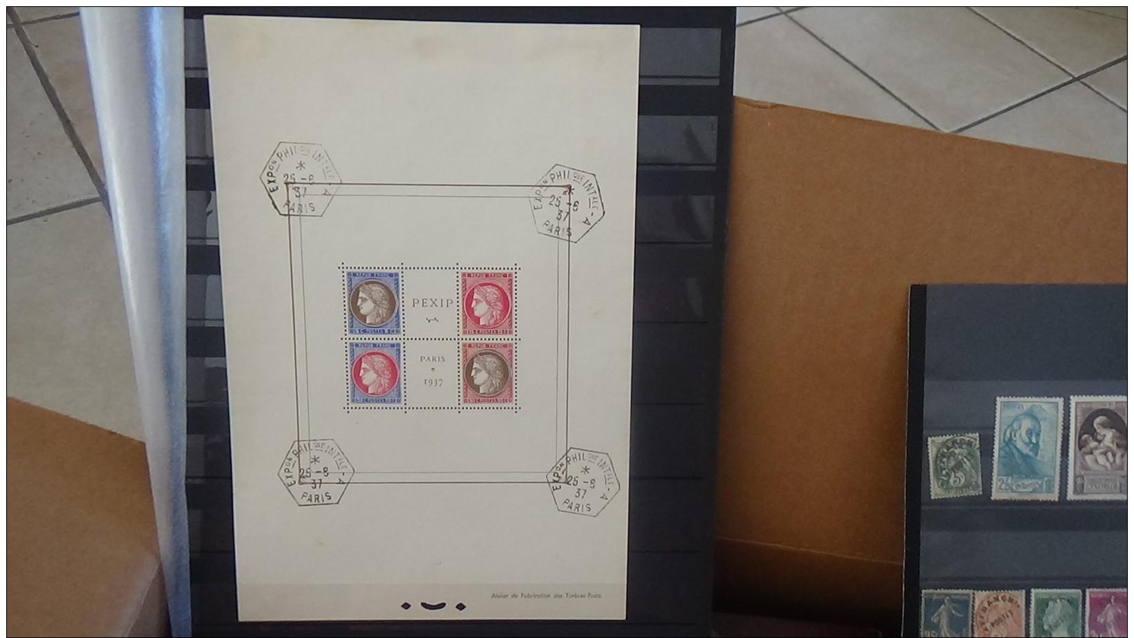 vrac max 999 timbres b carton de 27 kg dont bloc obl n 3 monaco albums enveloppes 1er. Black Bedroom Furniture Sets. Home Design Ideas