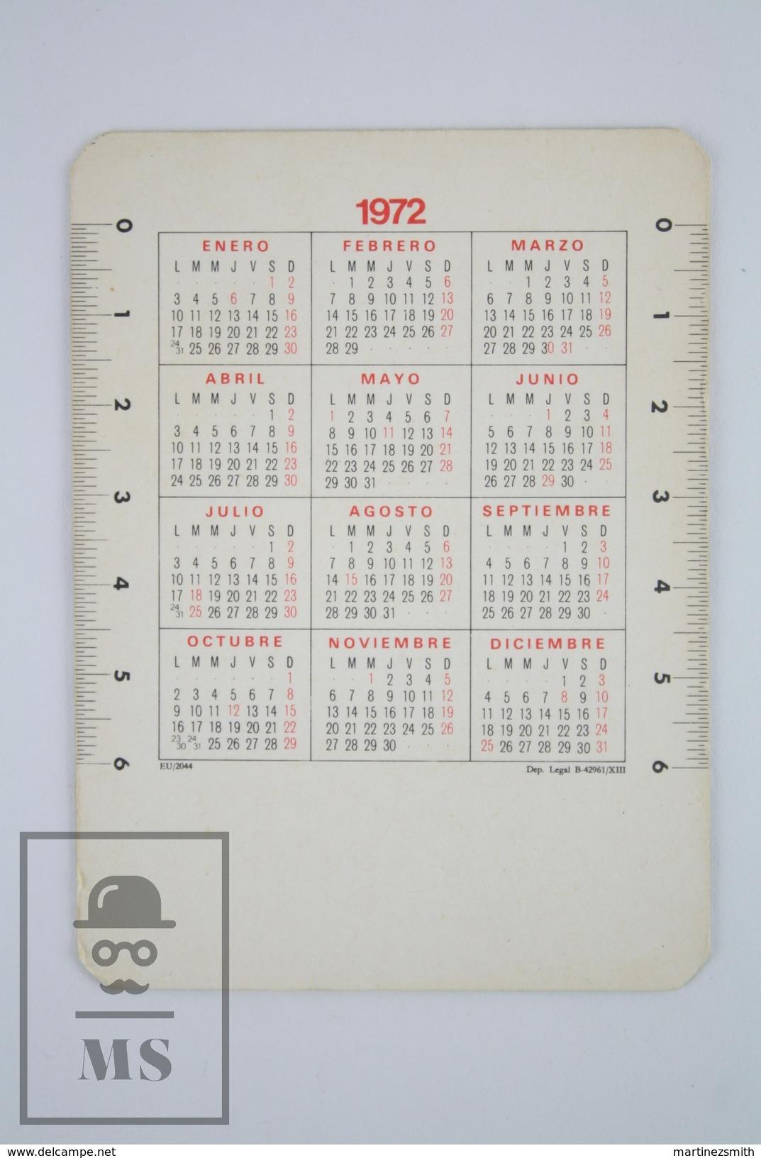 1972 Small/ Pocket Calendar - Pin Up Sexy Blonde Girl, Red Stripped Dress Sitting On Fuel Pump - Calendarios