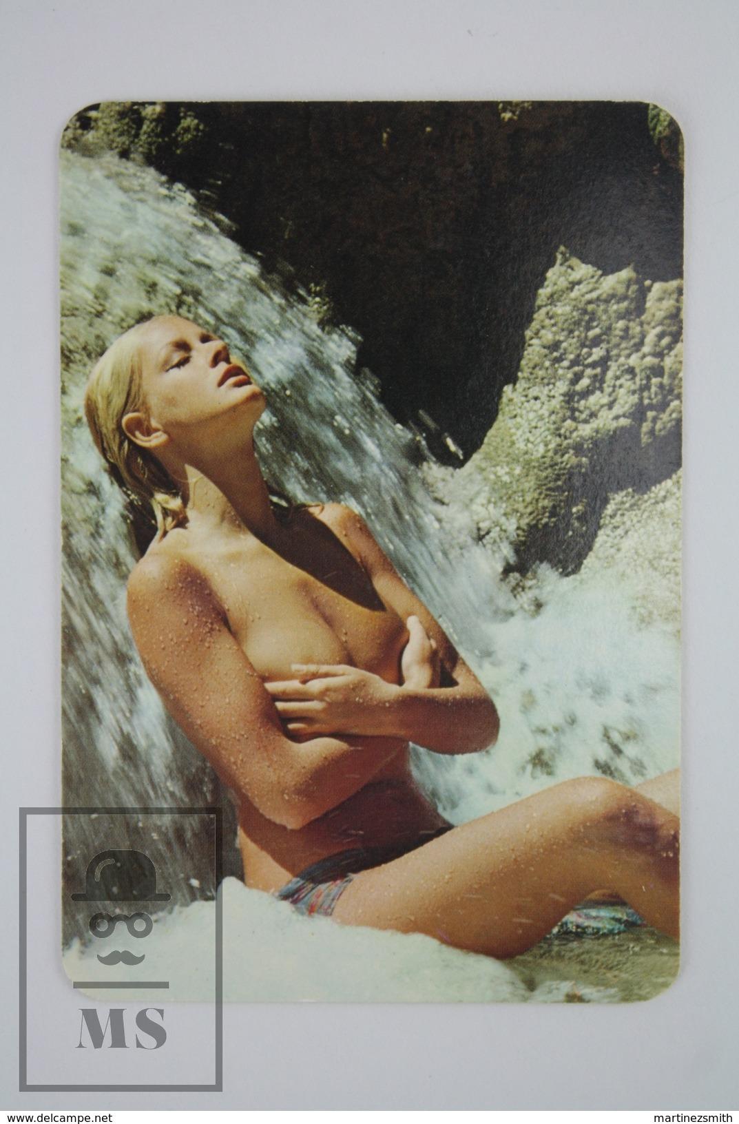 1975 Small/ Pocket Calendar - Sexy Topless Blonde Girl Standing Under Waterfall - Calendarios