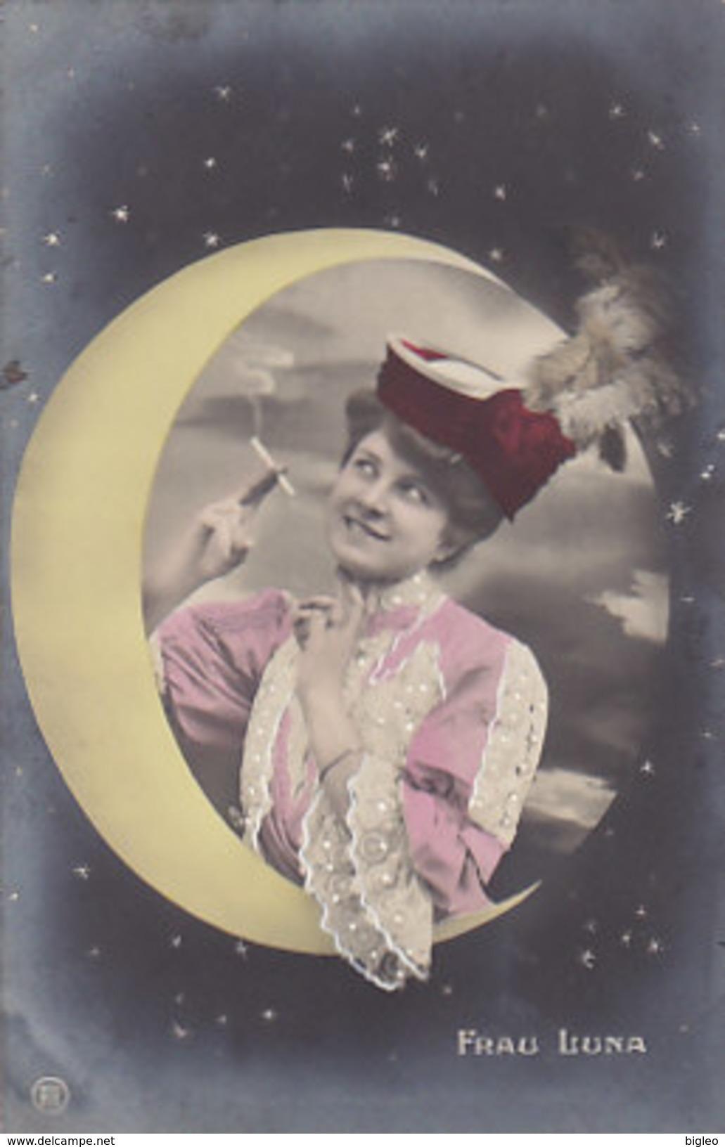 Rauchende Frau Luna - 1917     (A33-150822) - Donne
