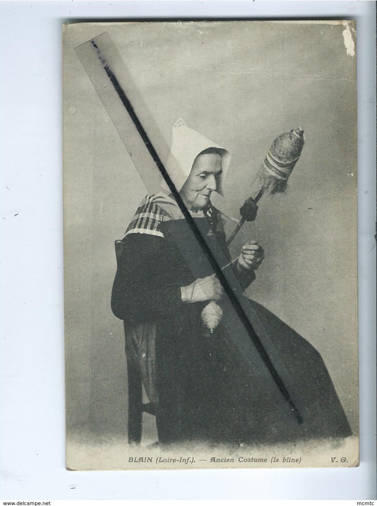 CPA Abîmée -  Blain  - (Loire-Inf) - Ancien Costume (La Bline ) - Blain