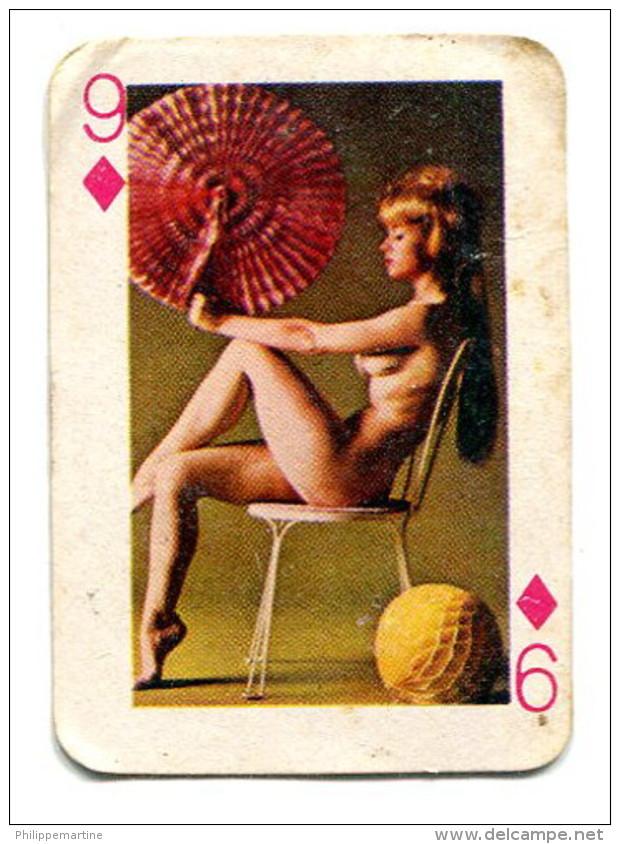 Carte 5,8 Cm X 4cm  : 9 Carreau - Femme Nue - Autres