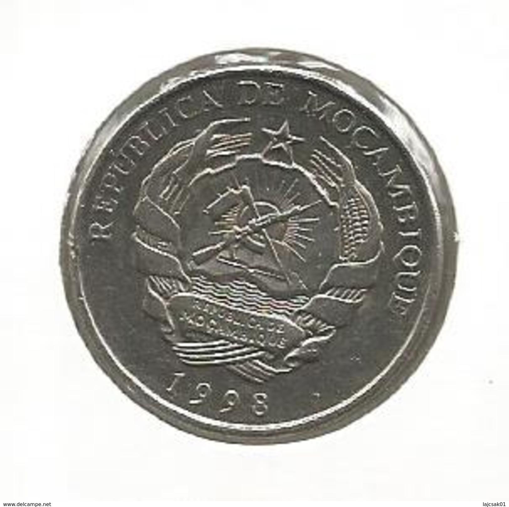 D10 Mozambique 5000 Meticais 1998. KM#124 - Mozambique