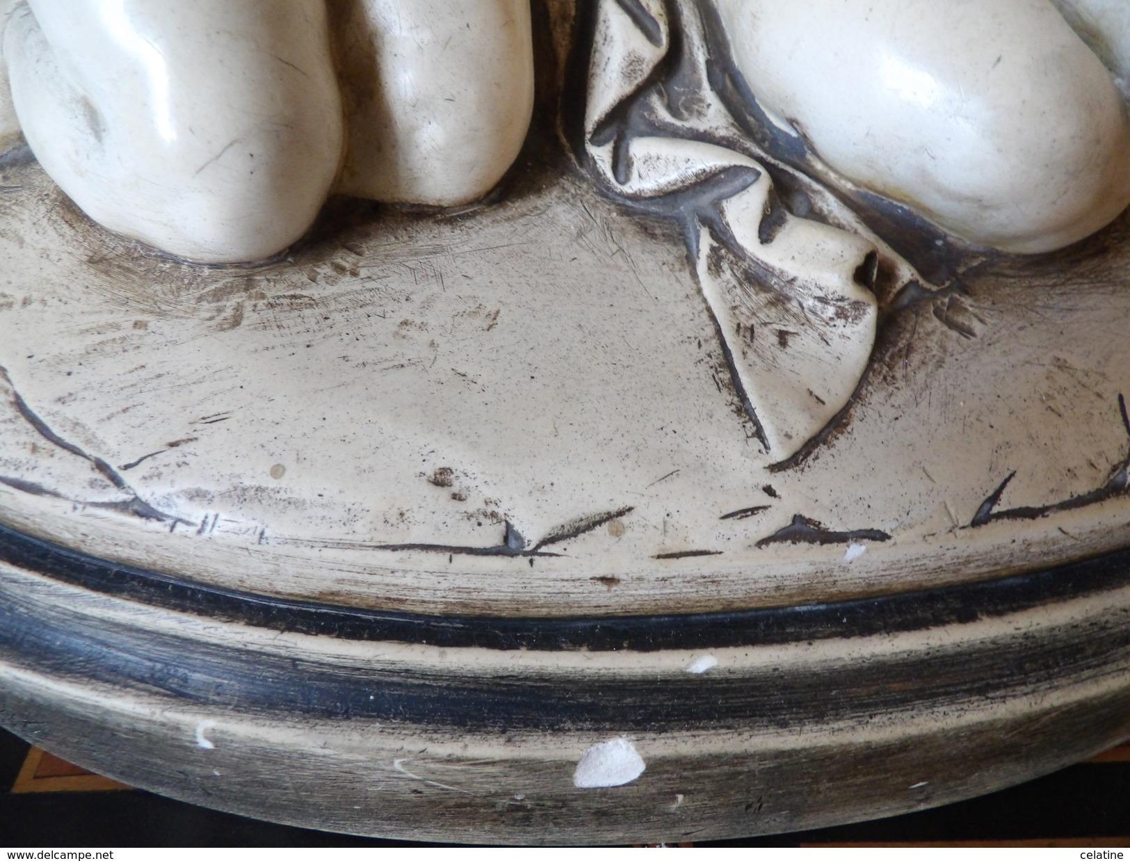 Statue Représentant Le Baiser De Deux Chérubins 1934 Signé A. Azori Numéroté 305 - Sculptures