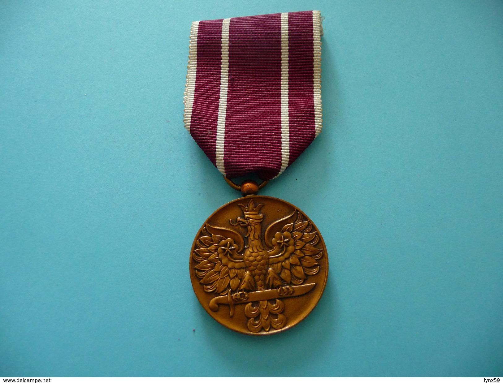 Médaille Polonaise Des Combattants 1939 1945 - Médailles & Décorations