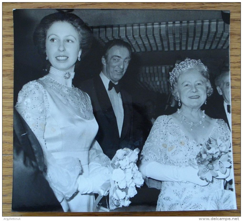 QUEEN ELIZABETH, QUEEN MOTHER AND PRINCESS ANNE 1979 - Other Collections