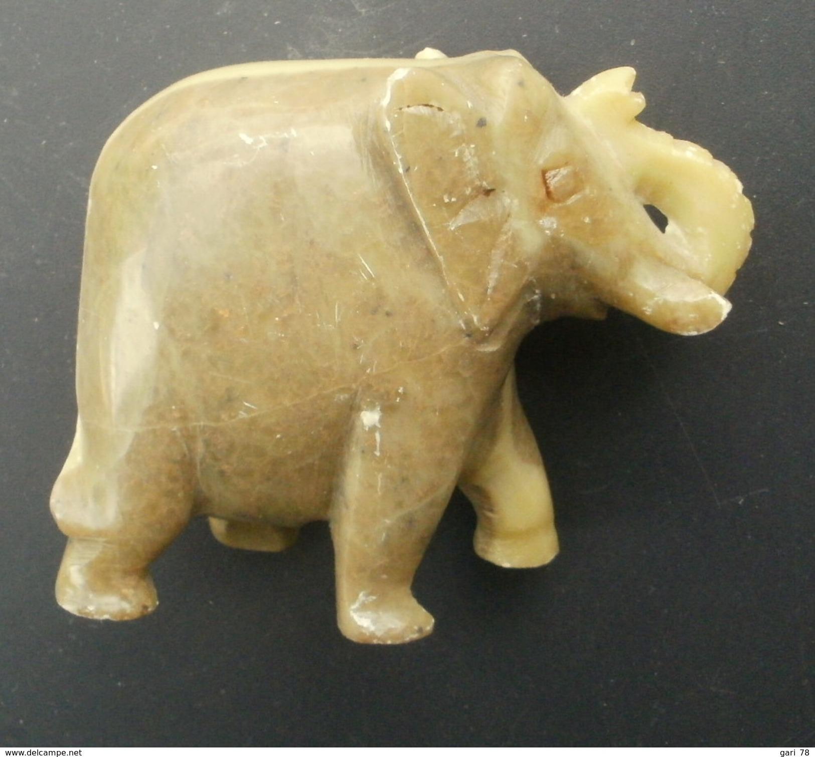 Sculpture, Elephant En Onyx, Hauteur 8 Cm - Sculptures