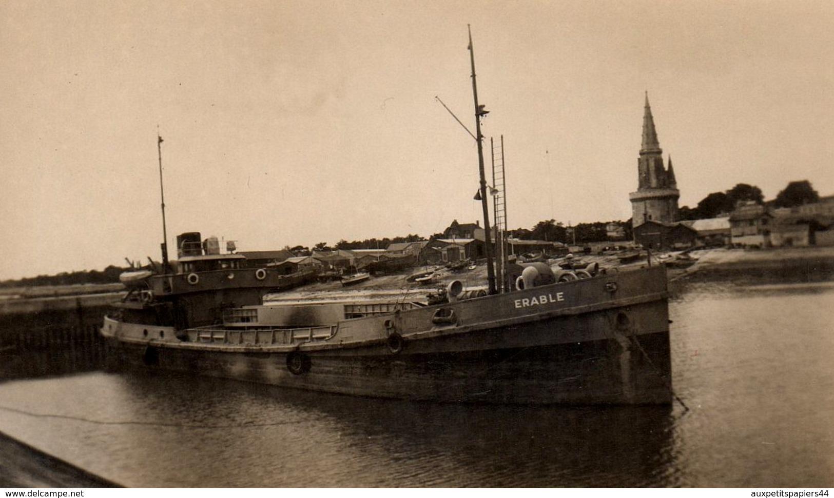 """Photo Originale Navire De Charge Ou Cargo """" ERABLE """" Dans Le Port De La Rochelle Vers 1930/40 - 17000 - - Barche"""