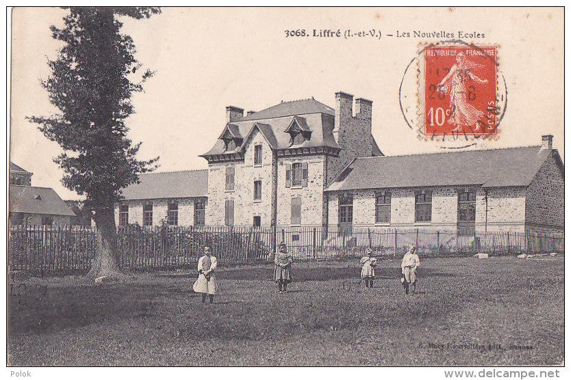 Cpa Liffré - Les Nouvelles Ecoles(édit. Mary Rousselière) - Other Municipalities