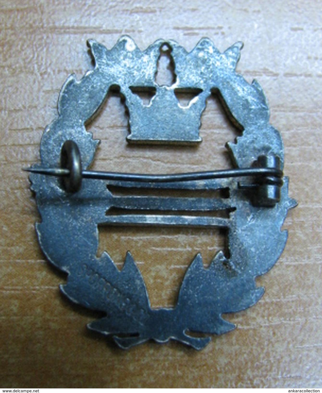 AC - SWEDISH PIN - BADGE ARCHERY - Tiro Con L'Arco