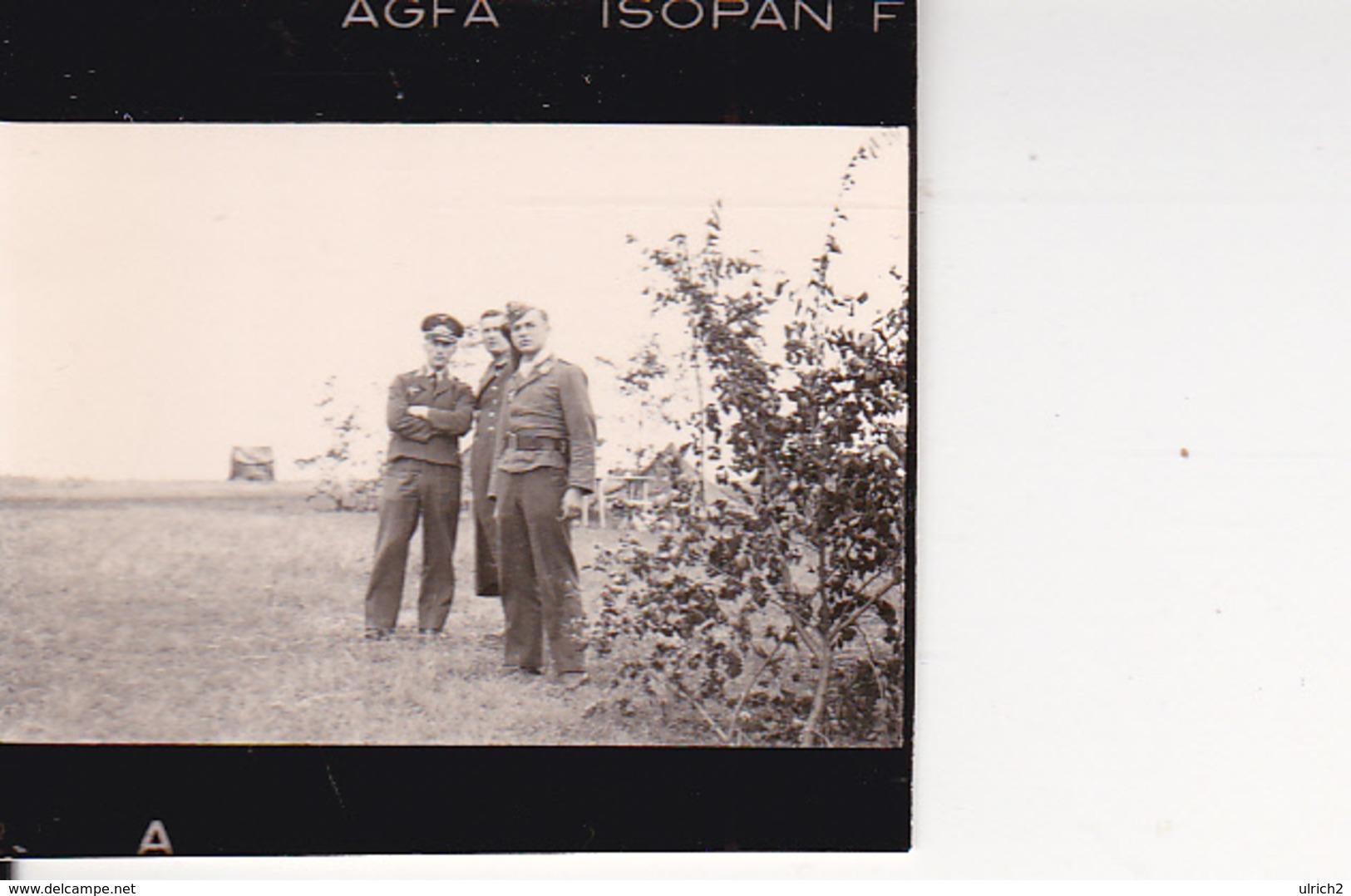 Foto -  2. WK - Gruppe Deutsche Soldaten - Aufklärungsgruppe 11 Küstenstaffel Krim - 3,5*2,5cm (28901) - Orte