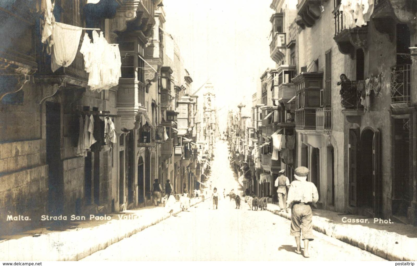 REAL PHOTO  POSTCARD STRADA SAN PAOLO MALTA VALLETTE HOTEL D´ANGLETERRE CASSAR PHOTO    MALTA - Malta