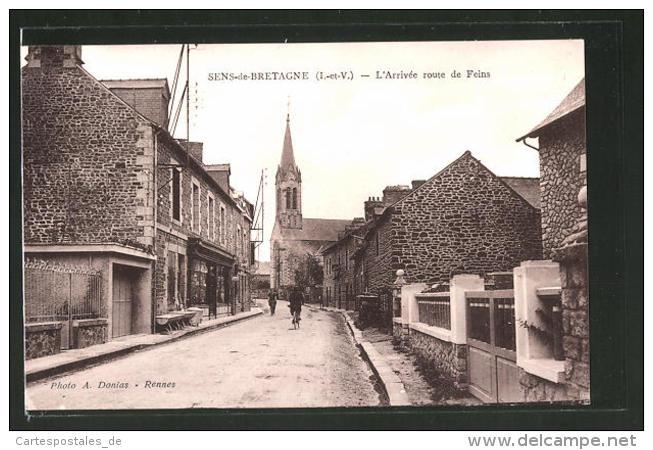 CPA Sens-de-Bretagne, L'arrivée Route De Feins, Radfahrer - France