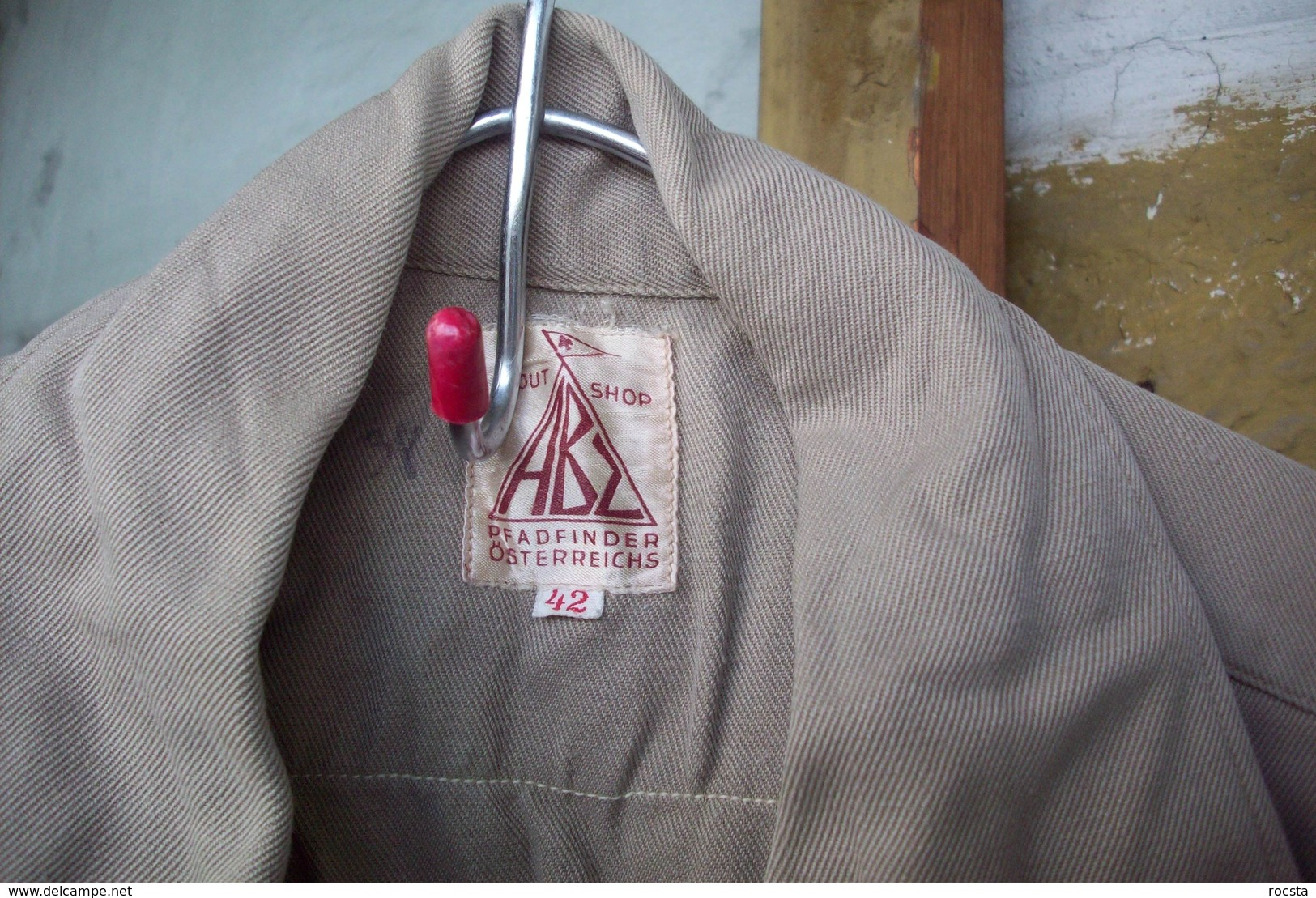Antique Austria Scout Shirt Khaki - 4 Patches & Brass Buttons - Movimiento Scout