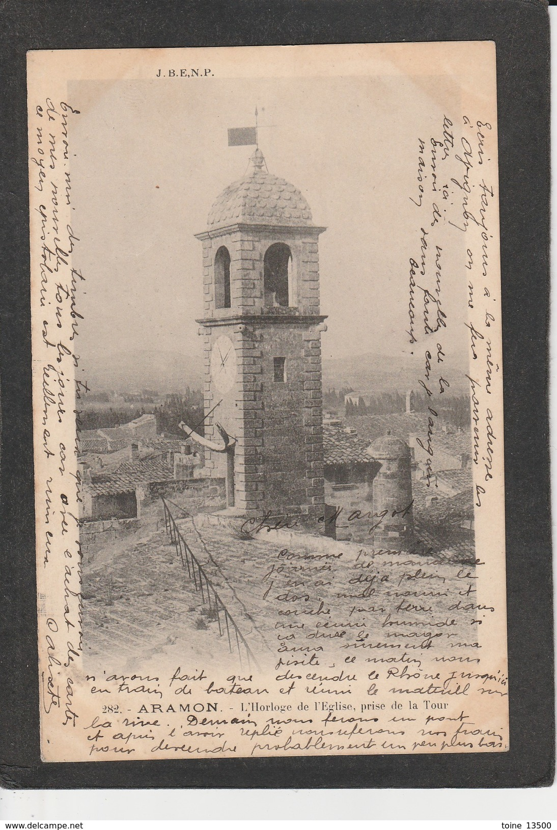 30  ARAMON -  L'horloge De L'église, Prise De La Tour - Aramon