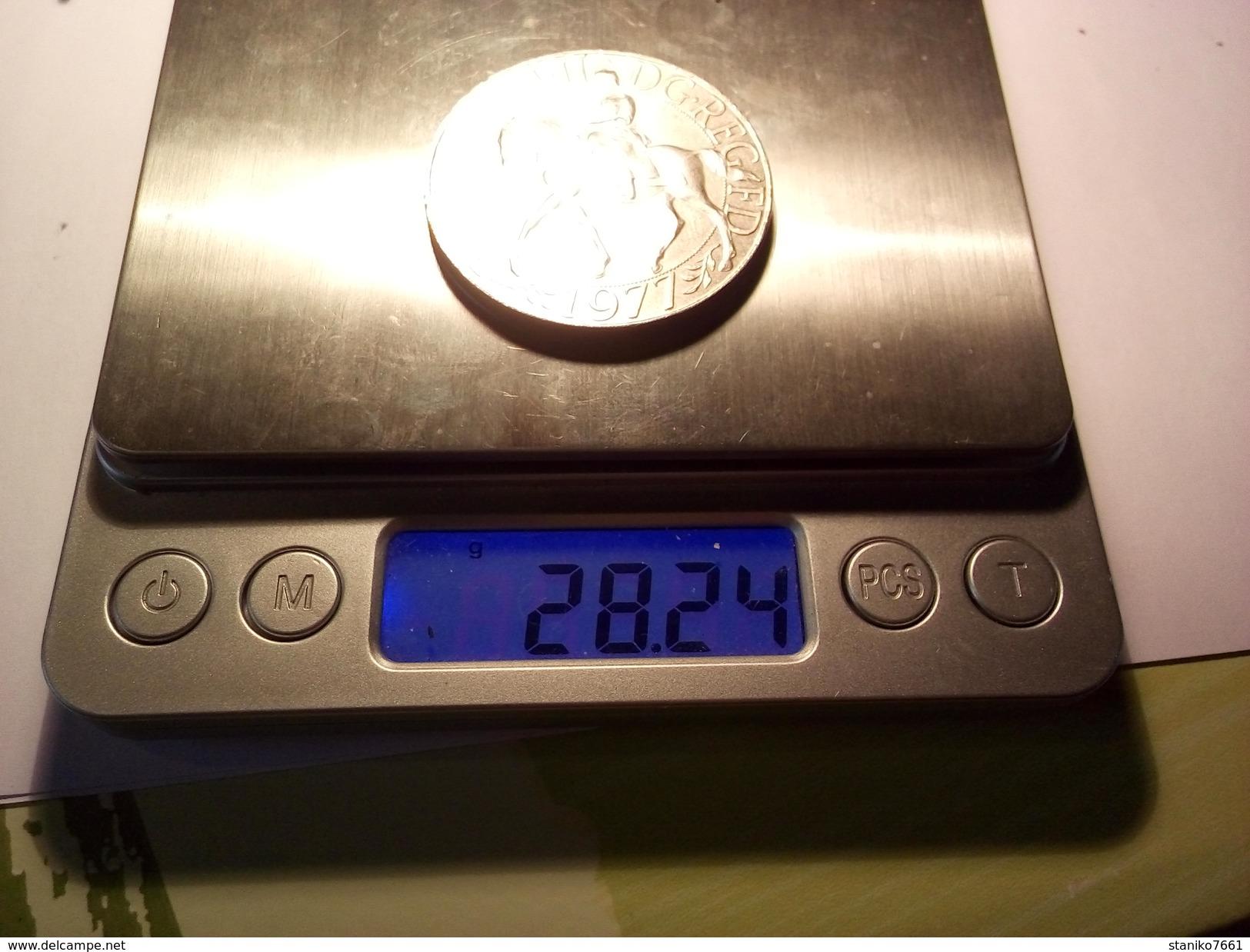 MEDAILLE JUBILE ELIZABETH II DG.REGFD 1977 Diamètre 38 Mm Poids 28.24 Grammes - Royal / Of Nobility