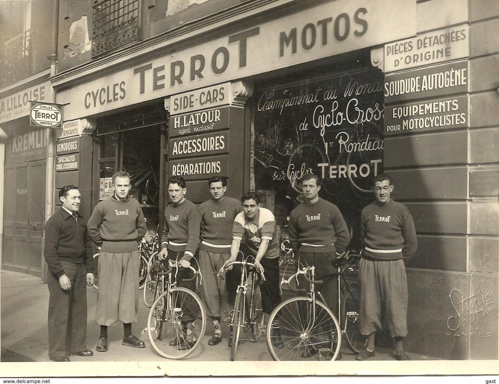 44 NANTES CYCLES ET MOTOS TERROT H. LATOUR AGENT EXCLUSIF ET L EQUIPE TERROT   5 BOULEVARD VICTOR HUGO  TELE  71  05 24 - Cyclisme