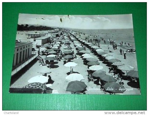 Cartolina Giulianova Lido - La Spiaggia 1964 - Teramo