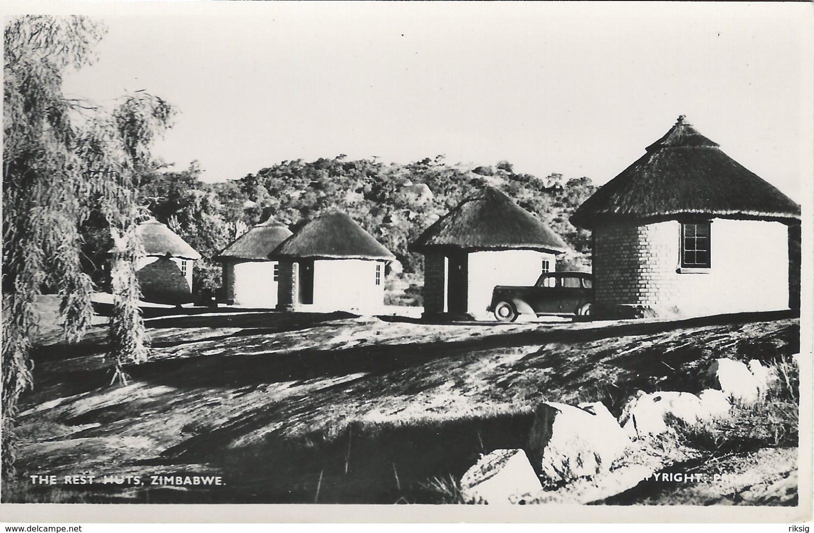 Zimbabwe.  The Rest Huts.    S-3574 - Zimbabwe