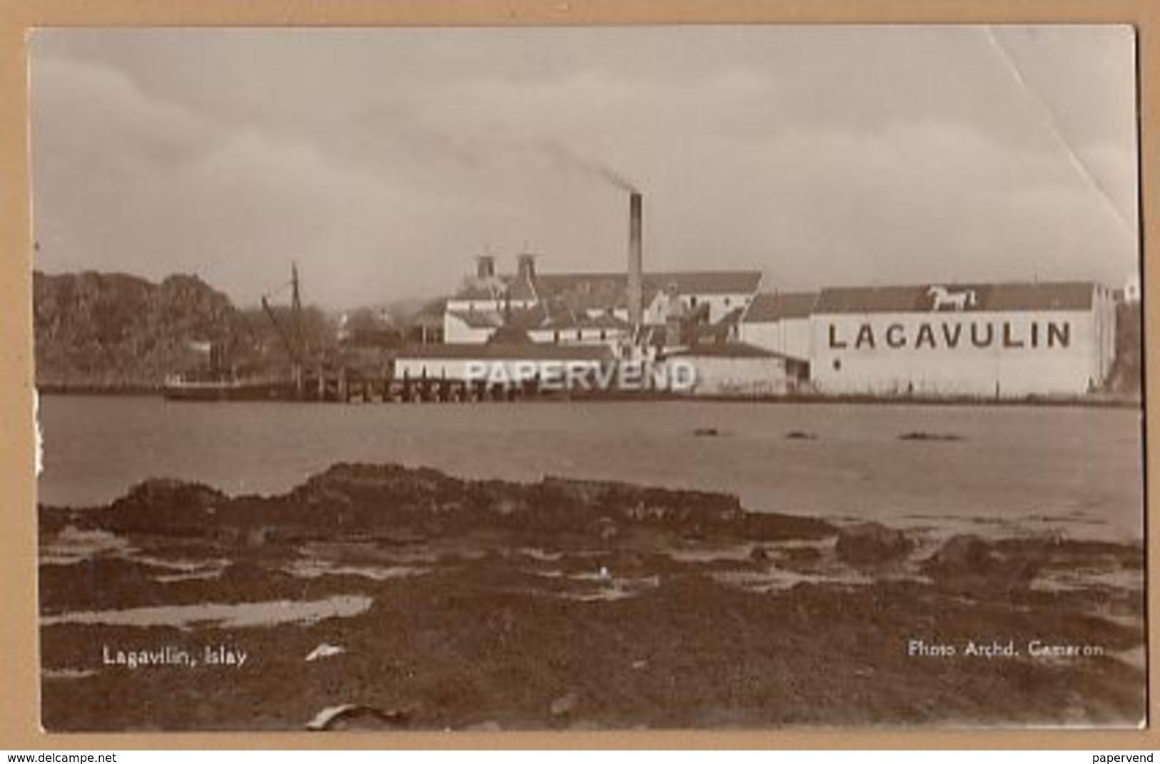 ISLAY Lagavulin Whisky Distillery  Isy26 - Scotland