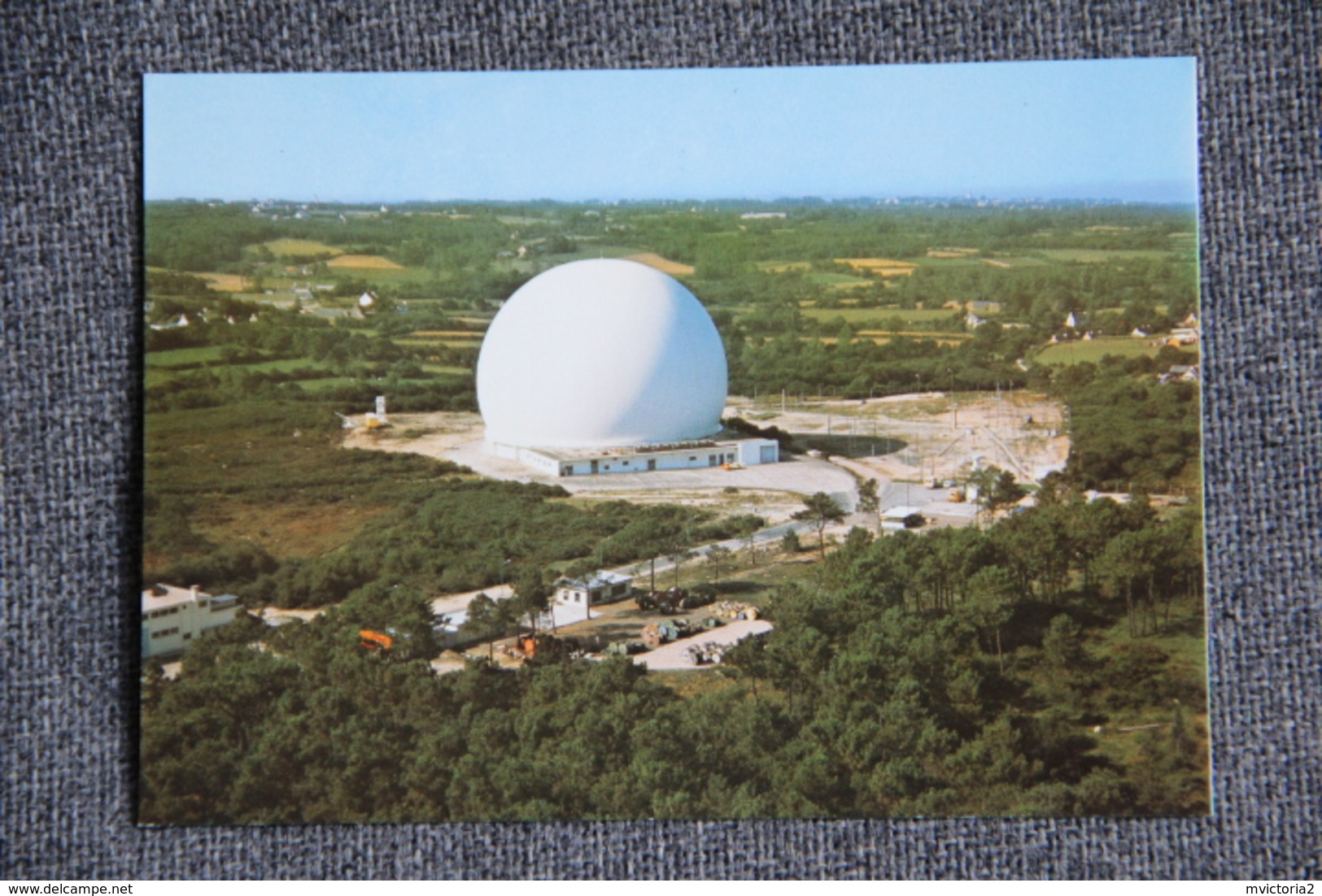 PLEUMEUR BODOU - Le Centre De Télécommunications Par Satellite , Le Radôme - Pleumeur-Bodou